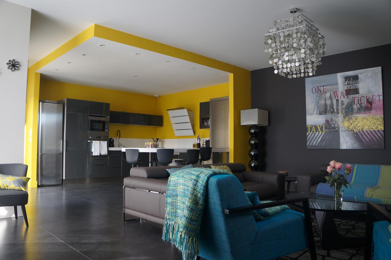 La maison comme Passion par Corinne Faivre, teinte Ressource Peintures Jaune POP03