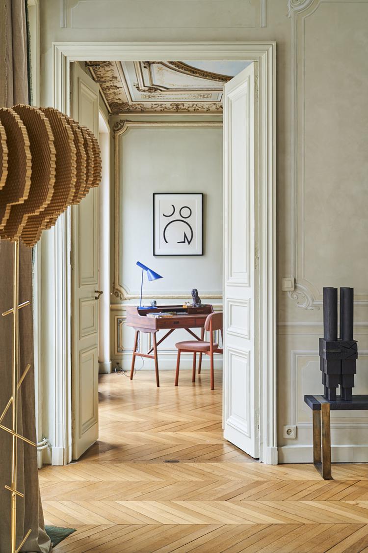 projet de décoration d'un appartement haussmannien equilibre-et-harmonie par l'agence perene avec les peintures ressource